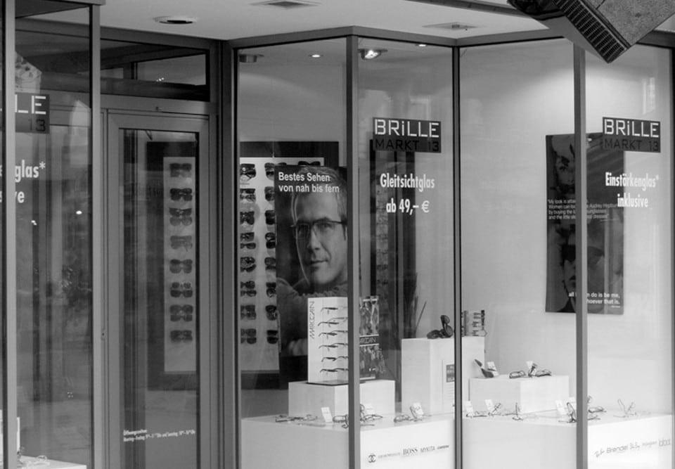 Fensterbeschriftung / Brille Markt 13
