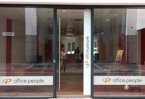 office people / Fensterbeschriftung