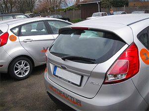 Beschriftung Fahrzeugflotte mit Digitaldruck und Folienschrift auf einer Fahrzeugflotte von Ford für die Motofaktur in Grevenbroich Hemmerden.