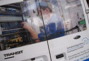 Fahrzeugbeschriftung / Schaltanlagenbau Grotmanns