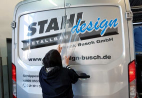 Autobeschriftung / Stahldesign / Ford Transit