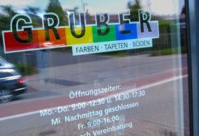 Fensteraufklebung / Gruber